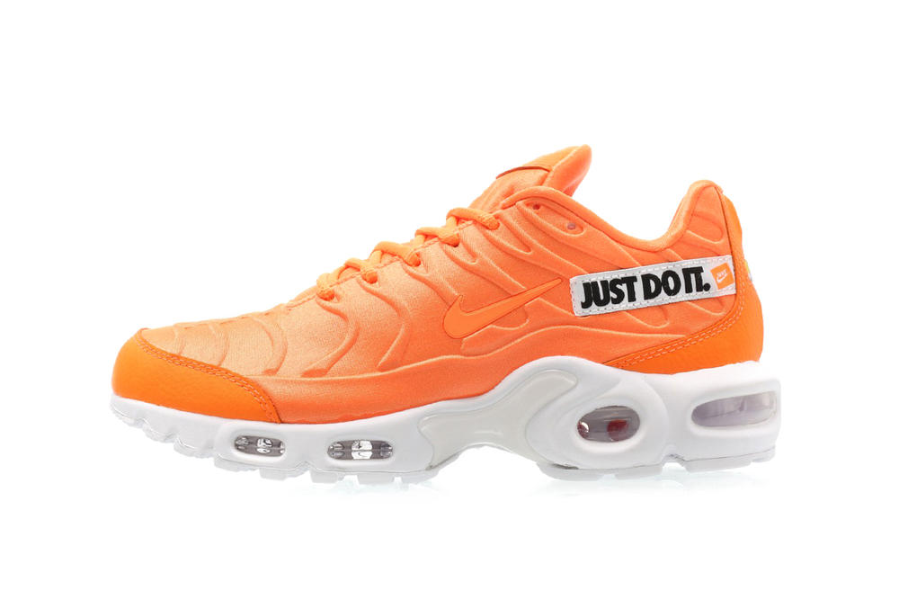 Nike Just Do It Pack Air Max Plus SE Total Orange White