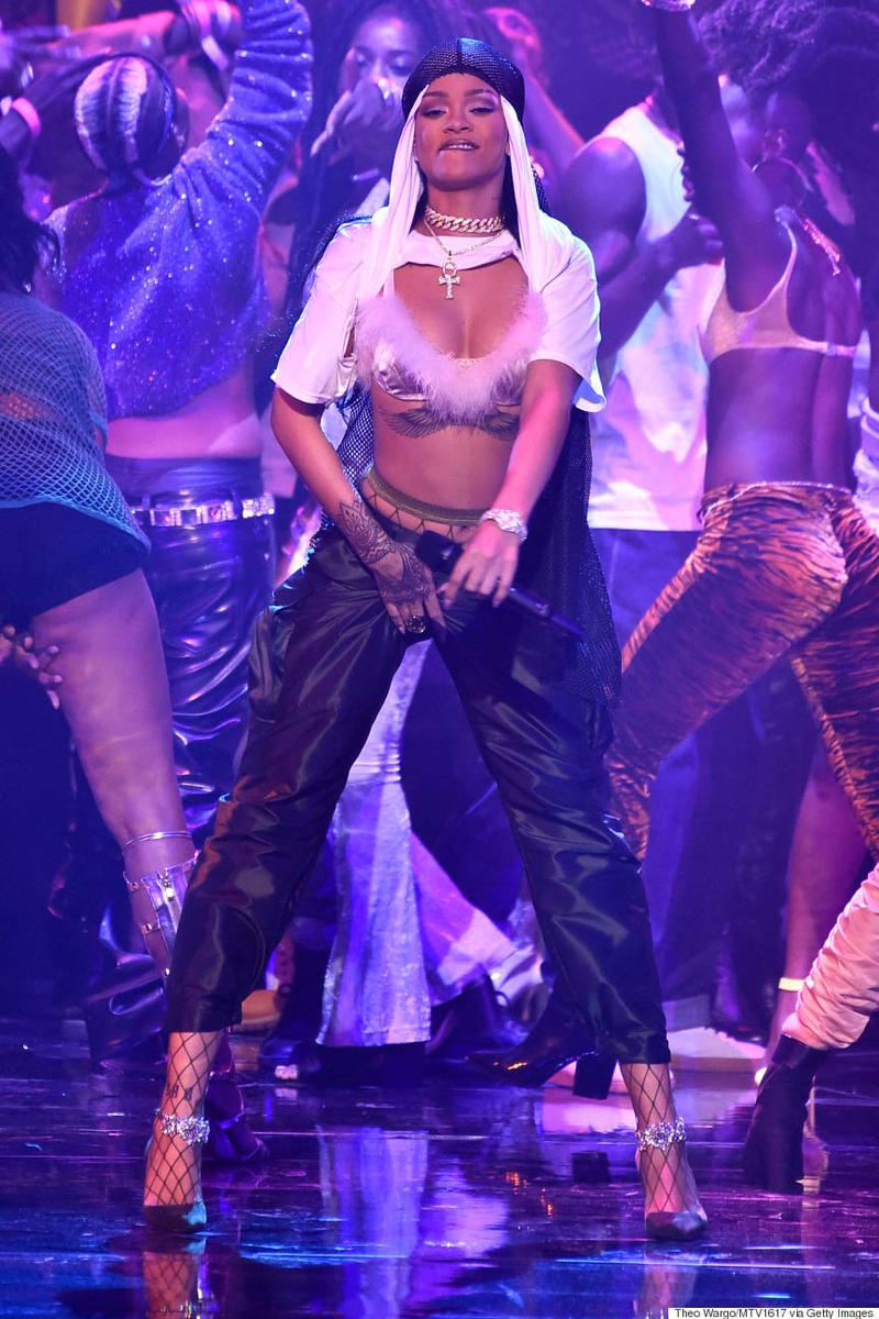 Rihanna MTV VMA 2016 Performance
