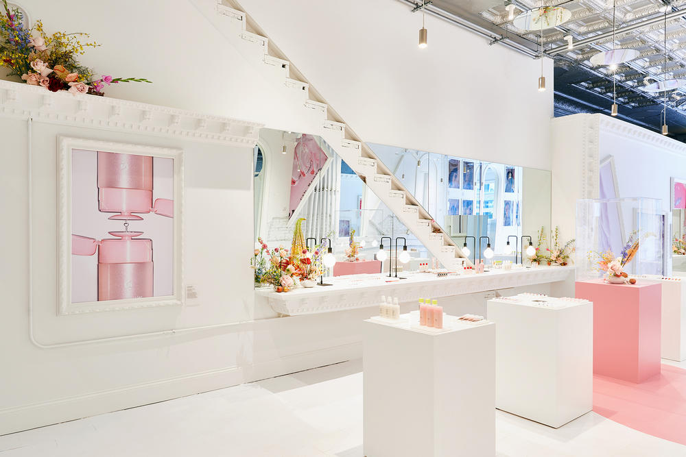 Glossier Chicago Retail Experience Pop-Up Shop Store August 23 Makeup Skincare Beauty Emily Weiss Interior