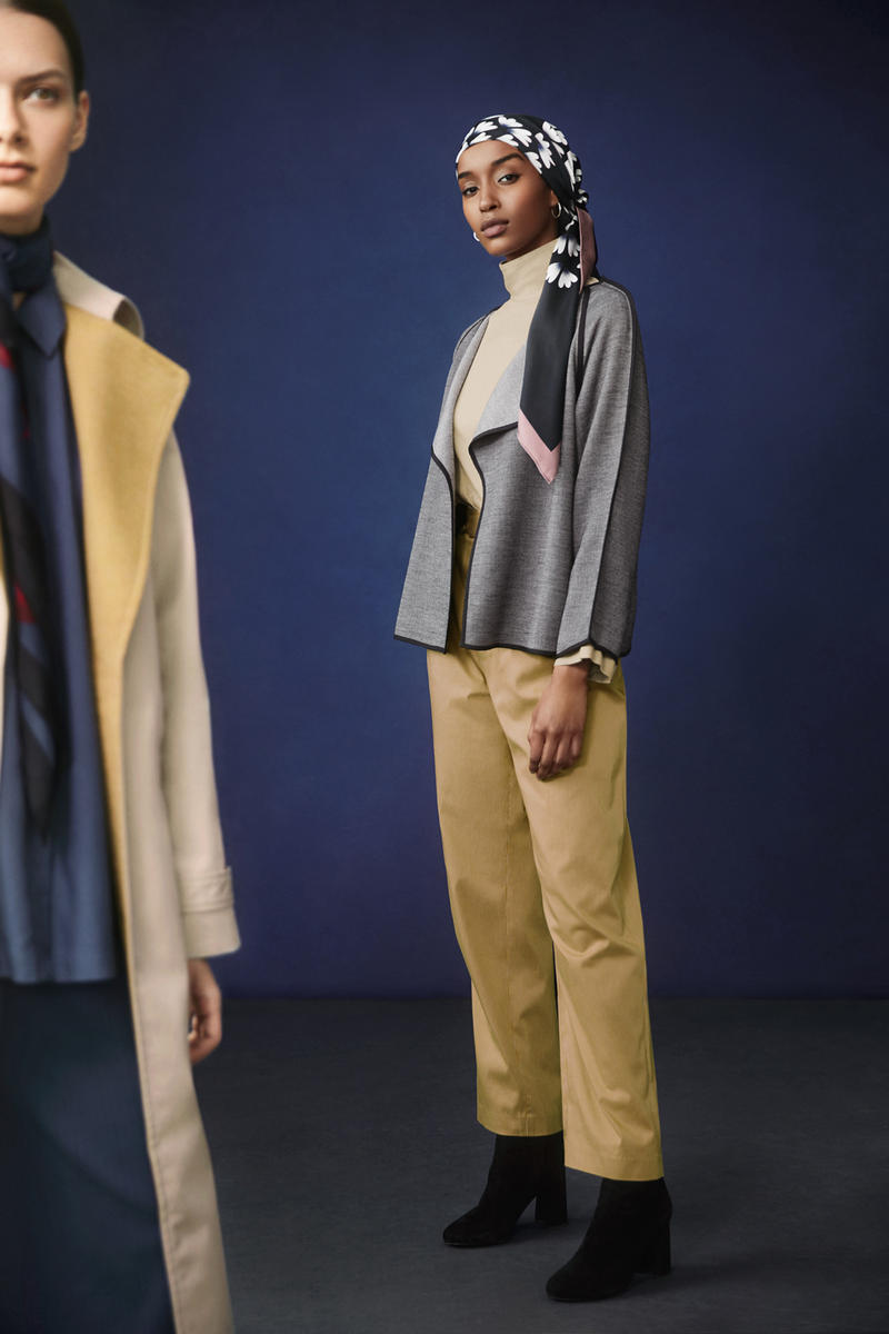 Hana Tajima for Uniqlo Fall/Winter 2018 Collection HPJ Mock Neck Long Sleeve T-shirt Tan Square Stole Blue