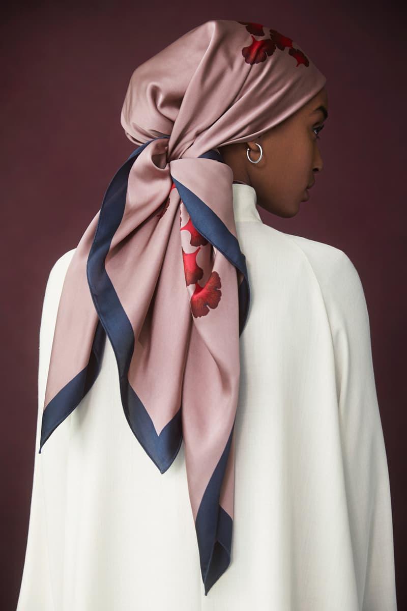 Hana Tajima for Uniqlo Fall/Winter 2018 Collection HPJ Square Print Stole Pink Rayon Drape Long Sleeve Tunic Tan