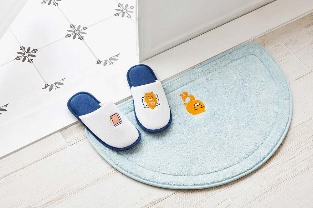 kakao friends kakaotalk hotel collection staycation bathrobes bath mats slippers soaps