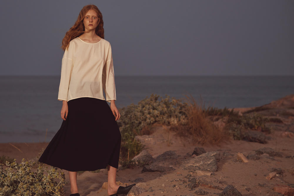 OAK + FORT Fall/Winter 2018 Collection Lookbook Top White Skirt Black