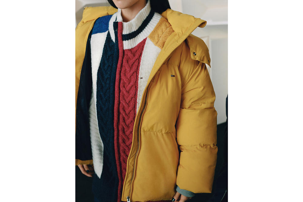 Tommy Jeans Fall/Winter 2018 Campaign Mabel Chunky Colorblock Cardigan Red Blue Puffer Jacket Yellow