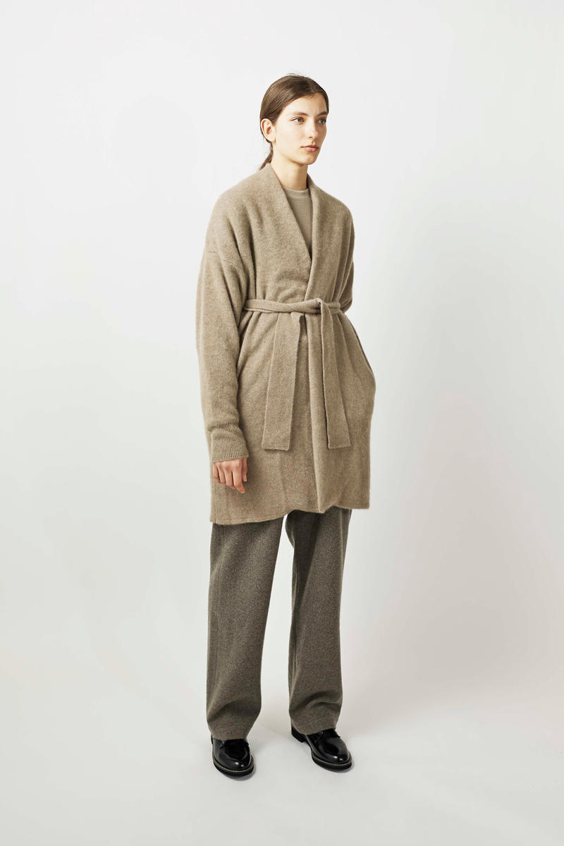 undecorated Fall/Winter 2018 Lookbook Coat Khaki Trousers Grey