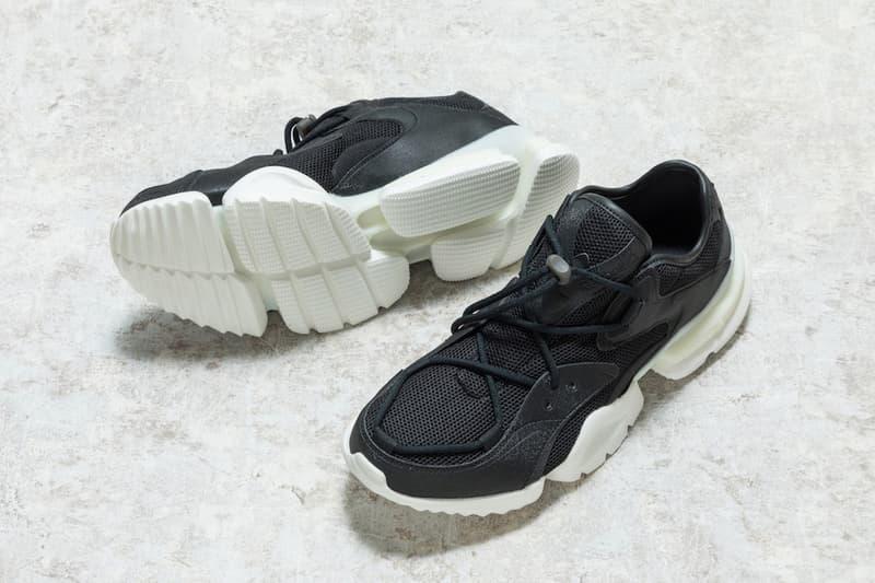 Barney's Reebok Run.r 96 Black White