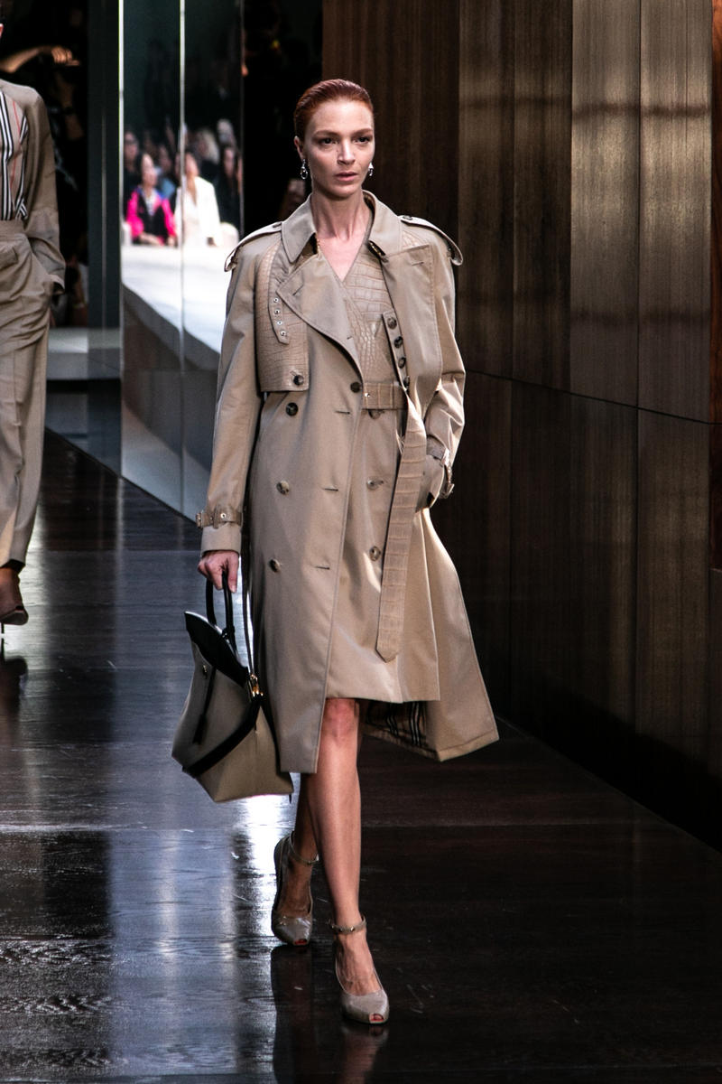 Riccardo Tisci Burberry Debut Runway Show SS19 trench coat bag