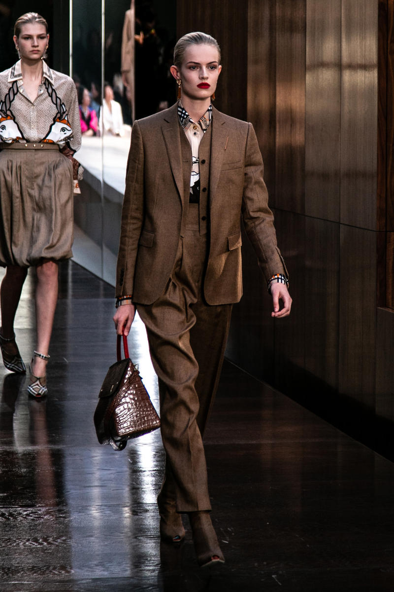 Riccardo Tisci Burberry Debut Runway Show SS19 Brown Suit