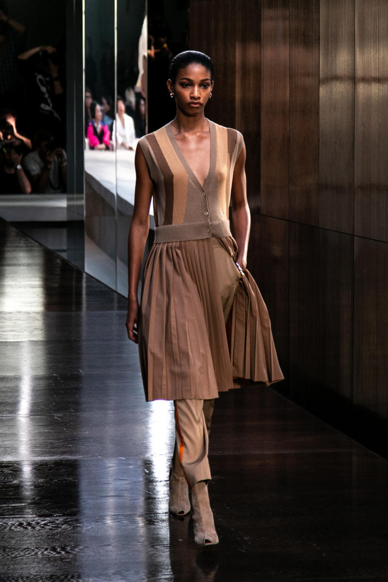 Riccardo Tisci Burberry Debut Runway Show SS19 Brown Beige Dress