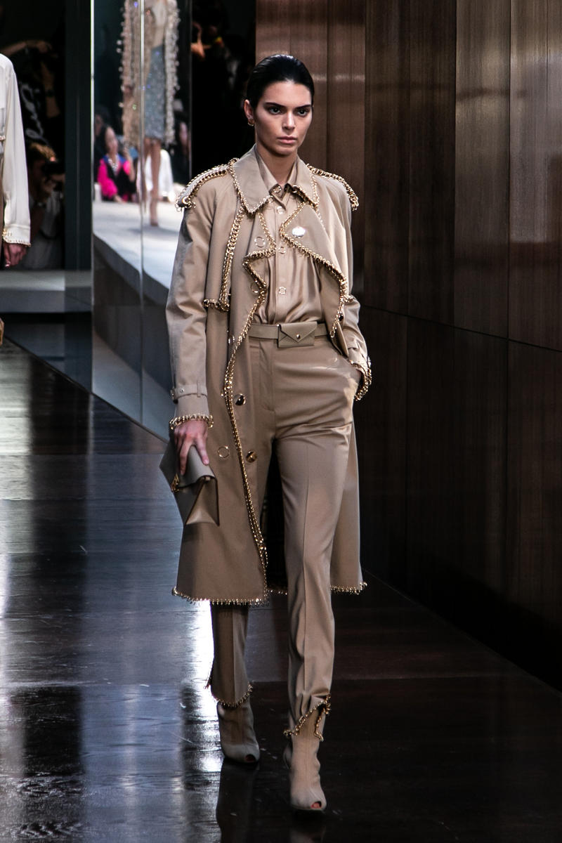 Riccardo Tisci Burberry Debut Runway Show SS19 Kendall Jenner Trench Coat Silver Rings