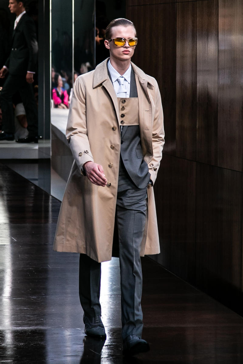 Riccardo Tisci Burberry Debut Runway Show SS19 mens sunglasses trench coat