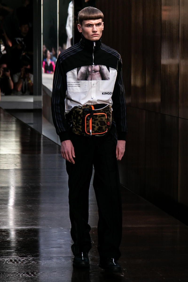Riccardo Tisci Burberry Debut Runway Show SS19 Shirt Graphic Belt Bag