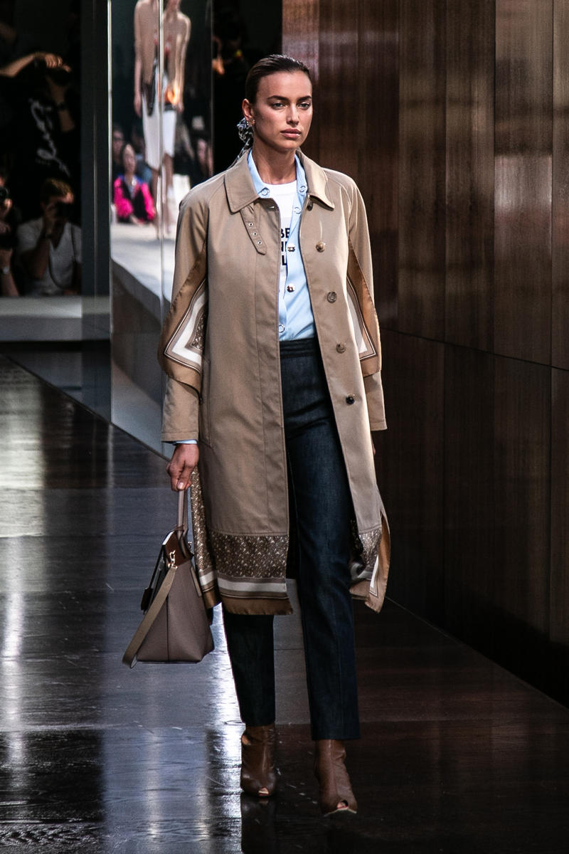 Riccardo Tisci Burberry Debut Runway Show SS19 trench coat
