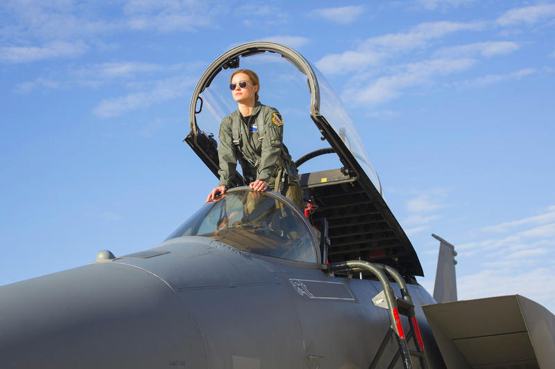 Brie Larson Captain Marvel First Look Photos Images Jude Law First Look