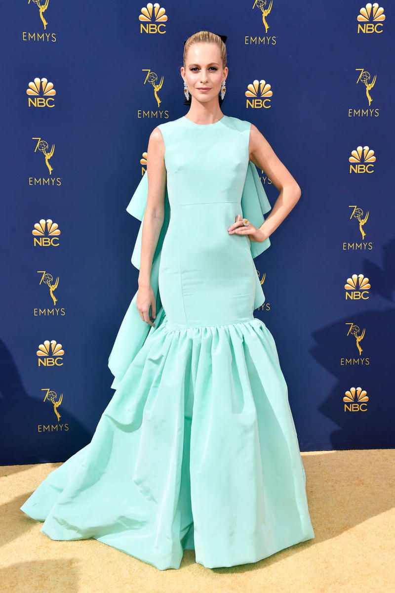 Emmys Emmy Awards 2018 Red Carpet Poppy Delevingne