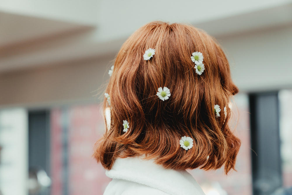 Mansur Gavriel Fall Winter 2018 New York Fashion Week Show Backstage Flower Daisy Hair