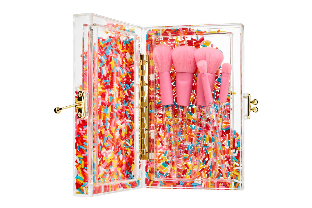 Museum of Ice Cream Sephora Makeup Collaboration Beauty Brushes Clutch Pink Sprinkle