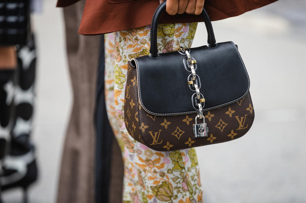 New York Fashion Week NYFW Street Style Street Snaps Louis Vuitton Logo Bag Brown Black