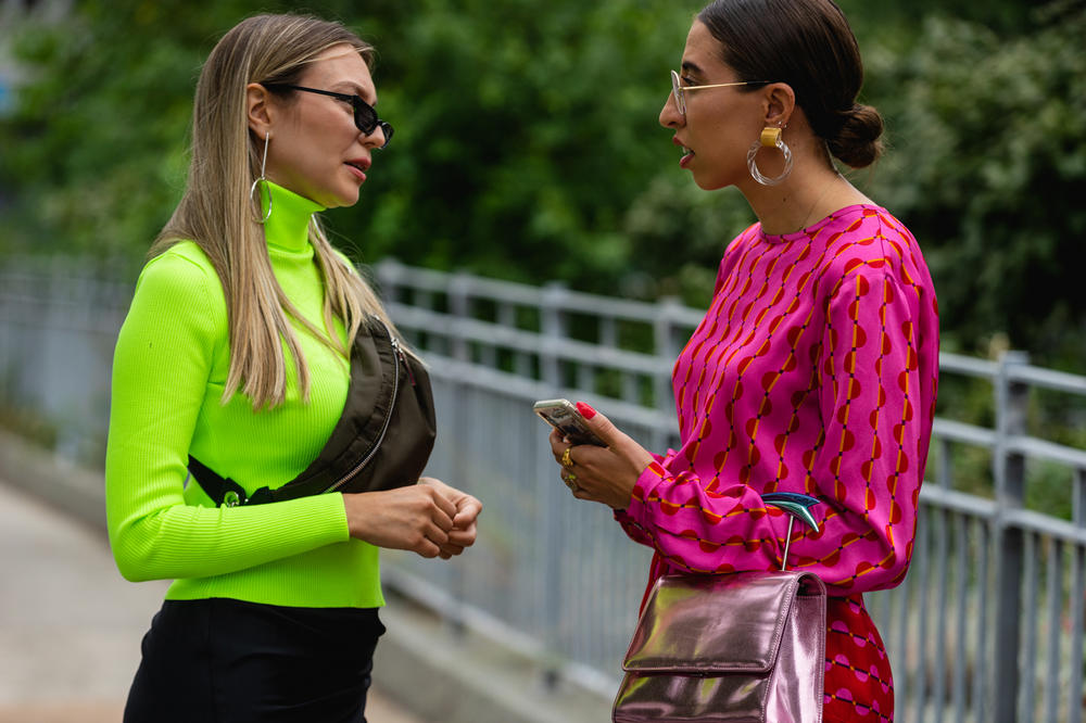 New York Fashion Week NYFW Street Style Street Snaps Turtleneck Green Top Pink