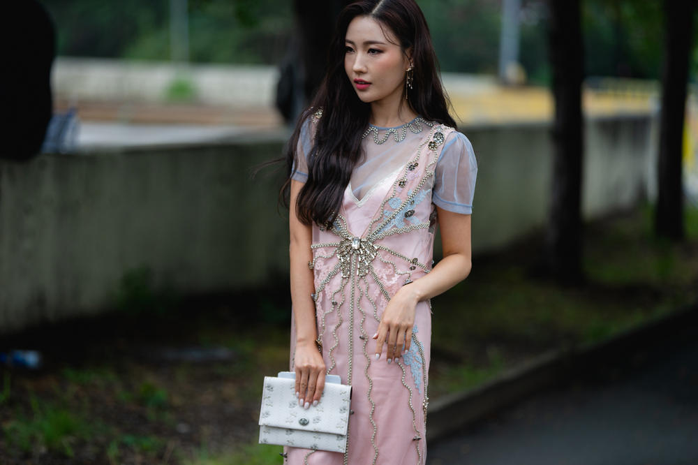 New York Fashion Week NYFW Street Style Street Snaps Dress Pink Bag White