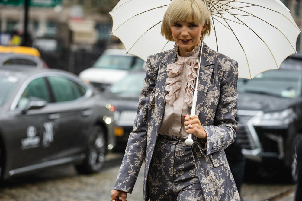 New York Fashion Week NYFW Street Style Street Snaps Blazer Pants Floral Blue