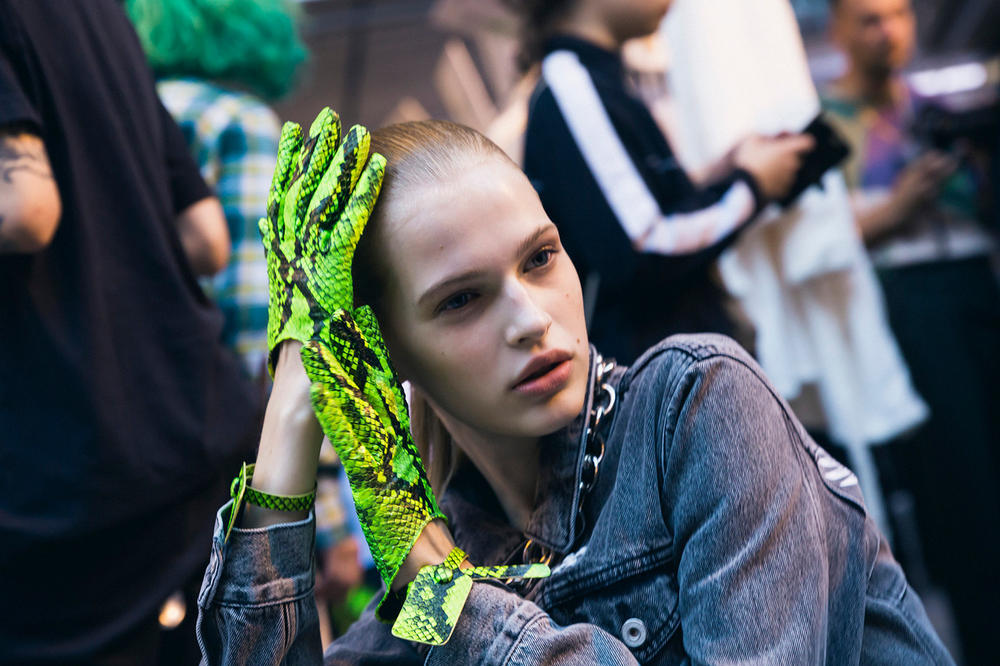Off-White Virgil Abloh Spring Summer 2019 Paris Fashion Week Show Backstage Snakeskin Glove Green