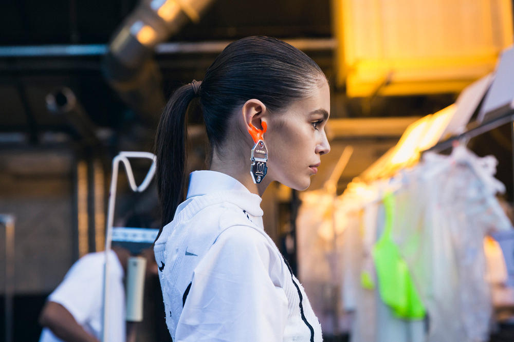 Off-White Virgil Abloh Spring Summer 2019 Paris Fashion Week Show Backstage Kaia Gerber Top White Earring Silver