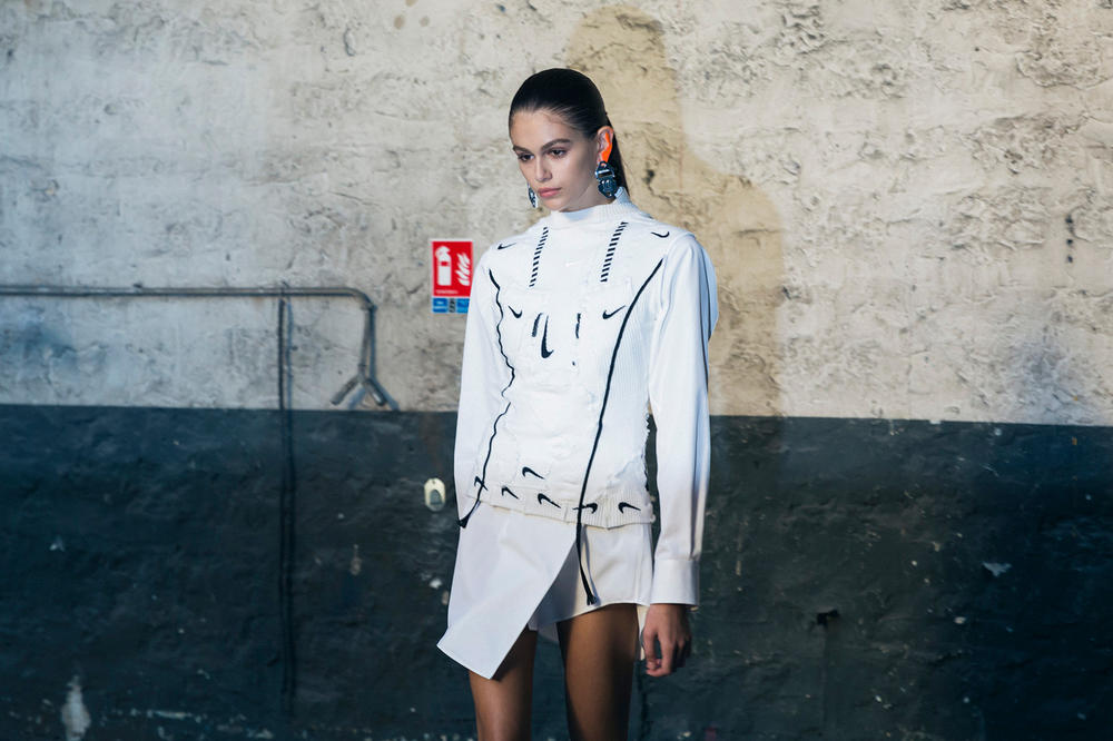 Off-White Virgil Abloh Spring Summer 2019 Paris Fashion Week Show Backstage Kaia Gerber Blazer White