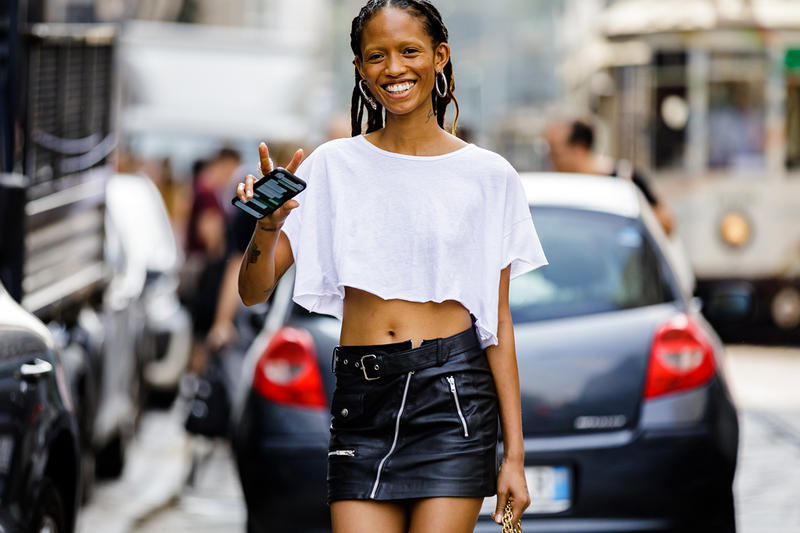 Adesuwa Aighewi Model Fashion Off-Duty Street Style White T-Shirt Nigerian Chinese Runway Week Spring Summer 2019