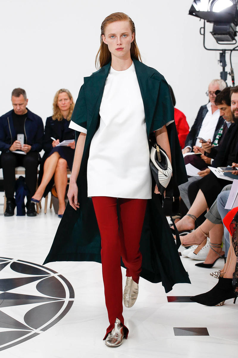 Victoria Beckham Spring Summer 2019 London Fashion Week Show Collection Top White Trousers Red