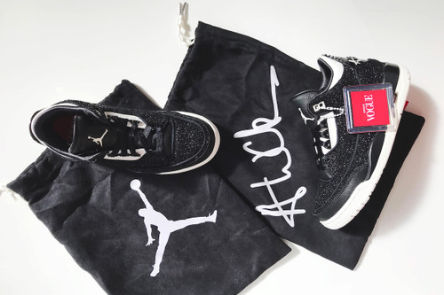 13e93dde92e6 Watch Us Unbox  Vogue  x Nike s Air Jordan 3 SE · Footwear