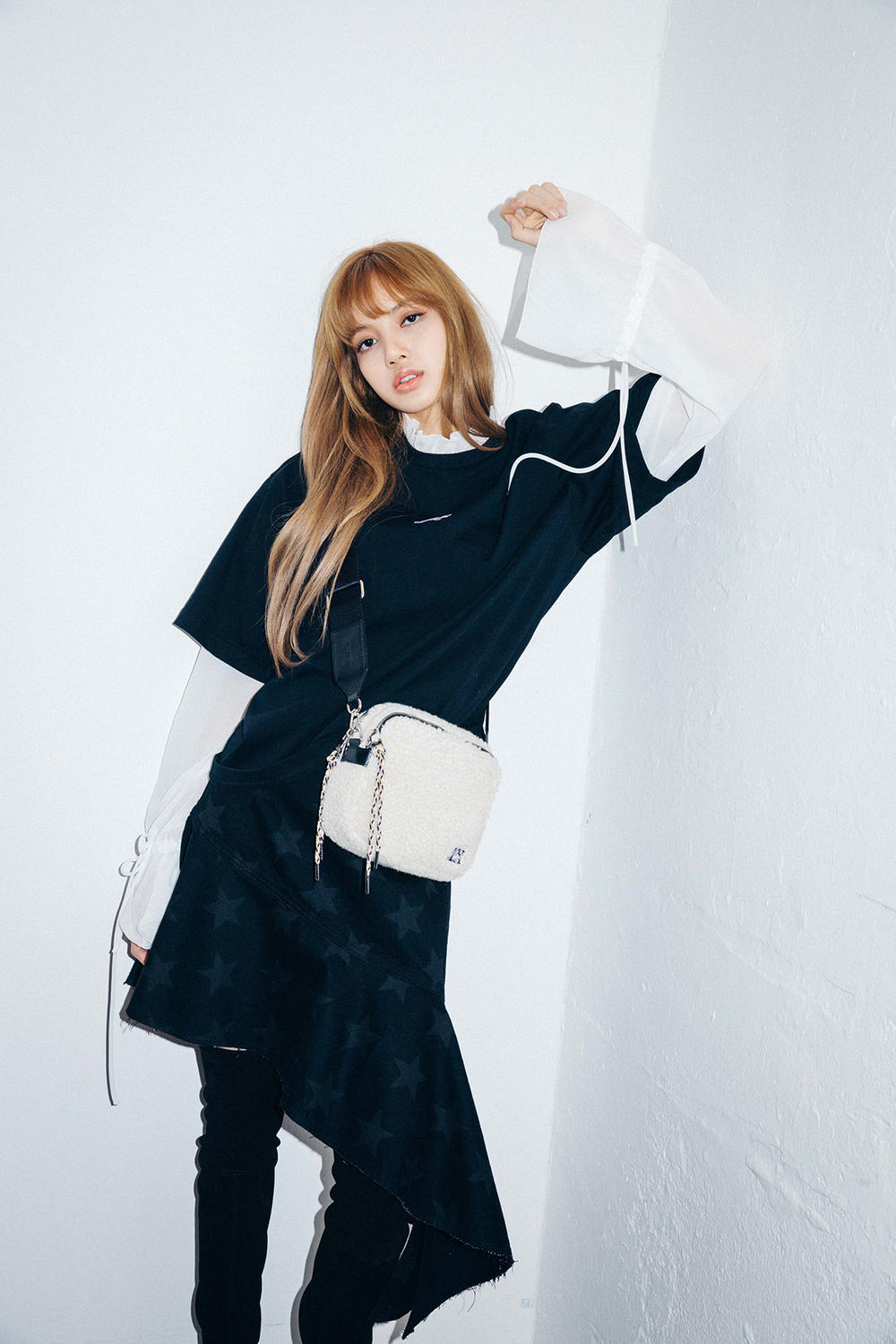 X-Girl Nonagon Blackpink Lisa Campaign Collaboration K-Pop Denim Skirt Black T-Shirt