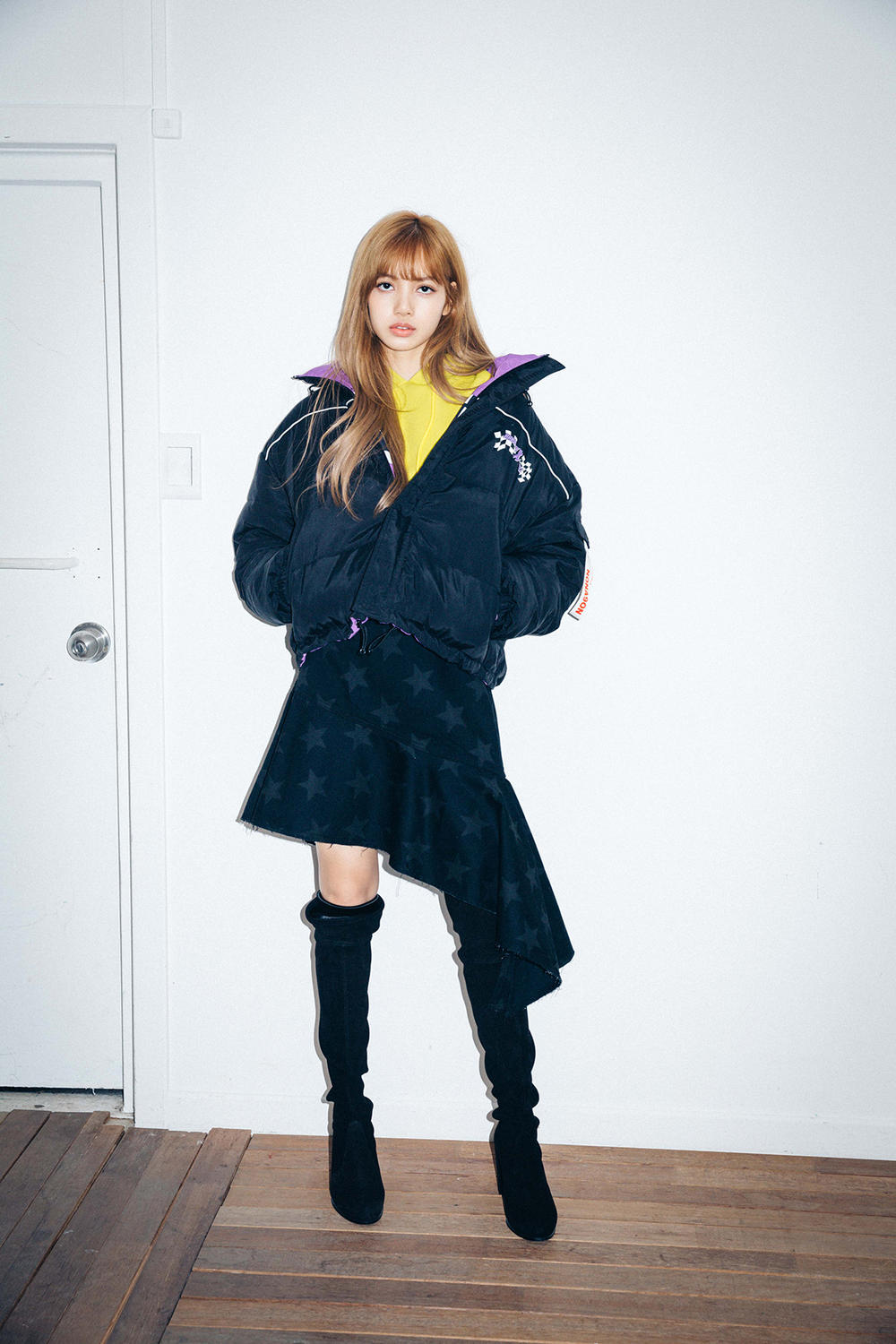 X-Girl Nonagon Blackpink Lisa Campaign Collaboration K-Pop Puffer Jacket