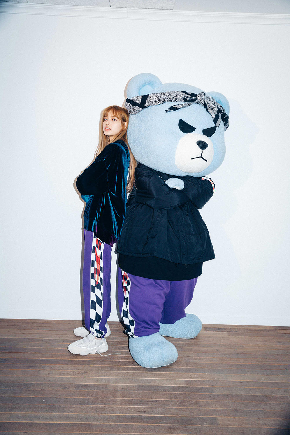 X-Girl Nonagon Blackpink Lisa Campaign Collaboration K-Pop Blue Velvet Hoodie Sweat Pants Bear