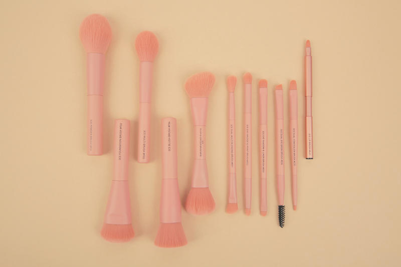 3CE K-Beauty Makeup Brushes Pouches Release Pink Face Eyes Lips Essential