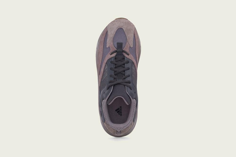 adidas Kanye West YEEZY BOOST 700 Mauve