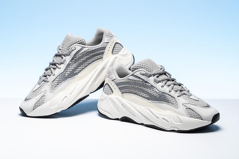 adidas YEEZY BOOST 700 V2 Static Grey White