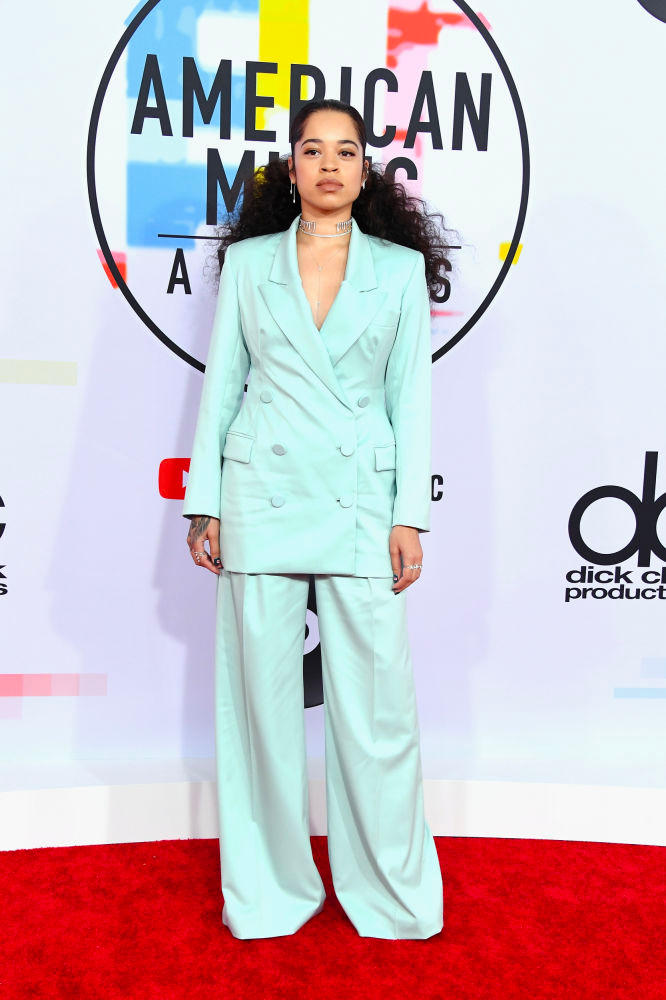 Ella Mai American Music Awards AMAs 2018 Red Carpet