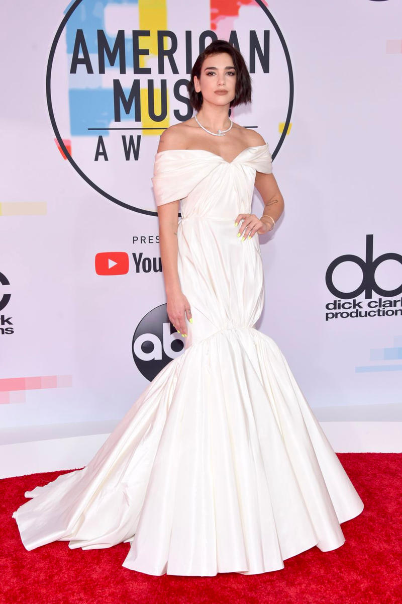 Dua Lipa American Music Awards AMAs 2018 Red Carpet