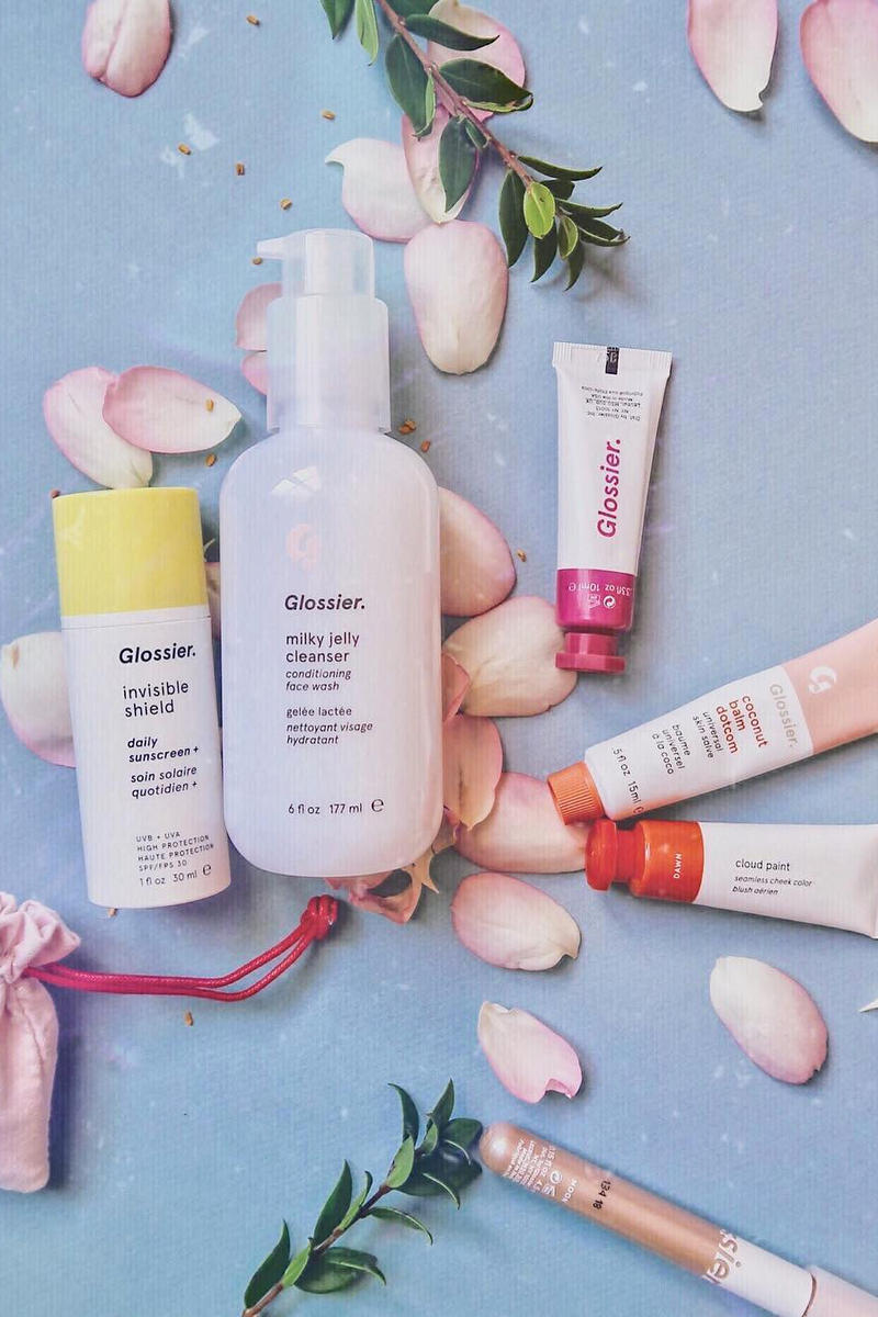 glossier france shipping official announcement makeup skincare cruelty free french web store
