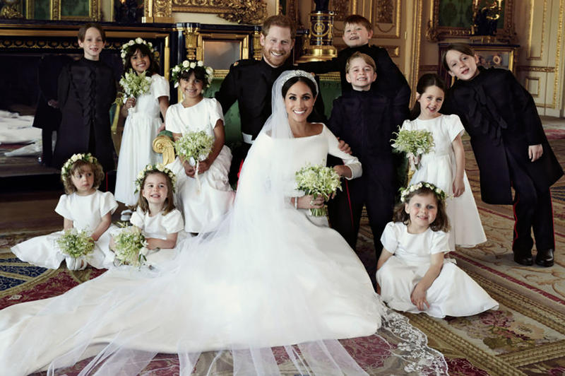See Meghan Markle\'s Givenchy Wedding Dress | HYPEBAE