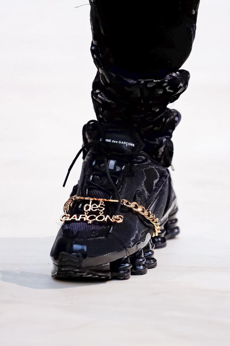 Nike Shox Black Commes des Garcons SS19 Spring Summer 2019 Sneaker Runway Paris Fashion Week Collaboration Rei Kawakubo Chain Jewelry