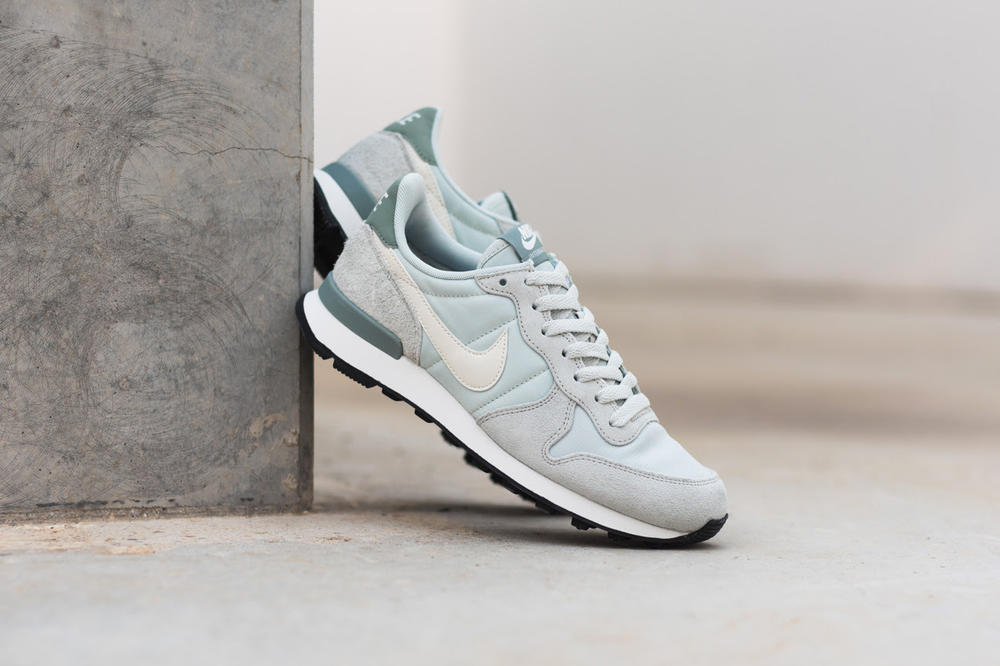 new product 19679 2b40c nike internationalist baby blue dark teal silver grey suede nylon