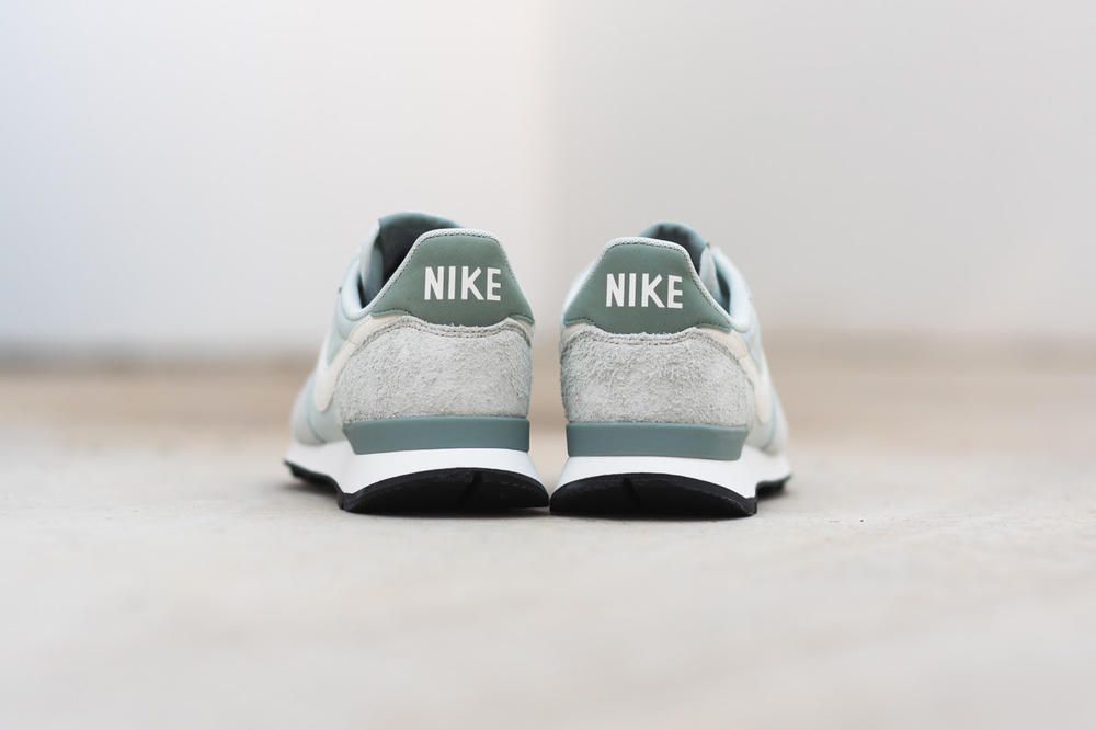 nike internationalist baby blue dark teal silver grey suede nylon