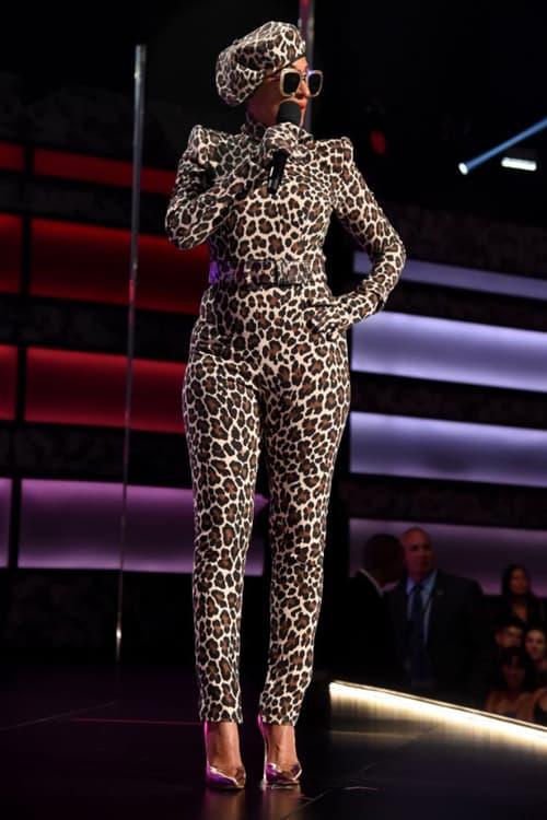 2018 American Music Awards Tracee Ellis Ross Sergio Hudson Leopard Print Bodysuit Gloves Belt Beret Brown Black