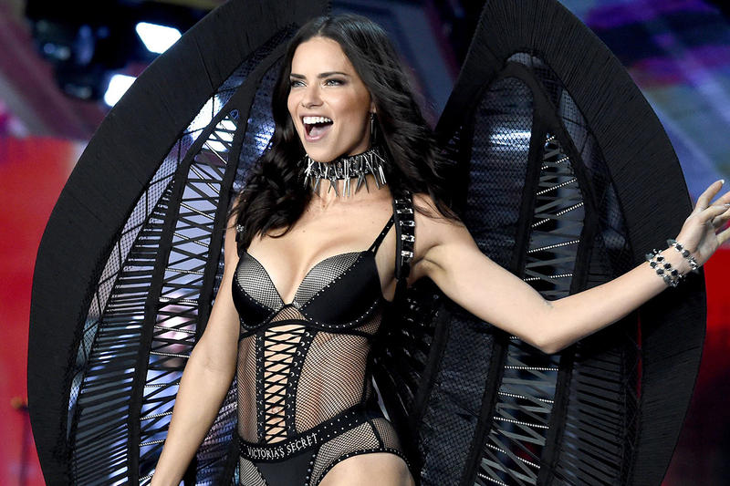 Adriana Lima Victoria's Secret Angel Wings Lingerie Bra Black Fashion Show Runway Model