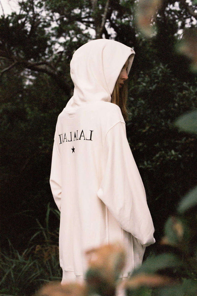 ALICE LAWRANCE XX Fall/Winter 2018 Collection Star Reverse-Weave Hoodie Cream