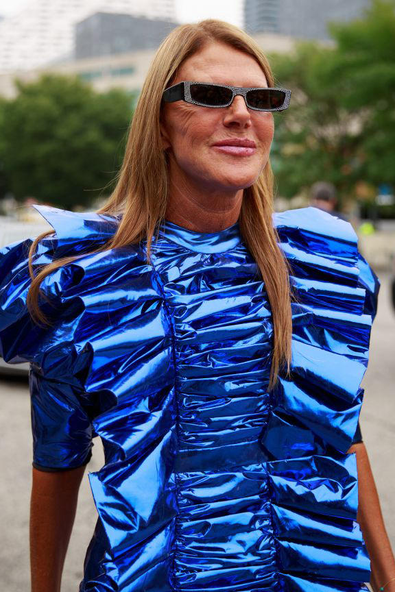 Anna Dello Russo Auctions Out Vintage Jewelry Vestiaire Collective Collectors Items Sale