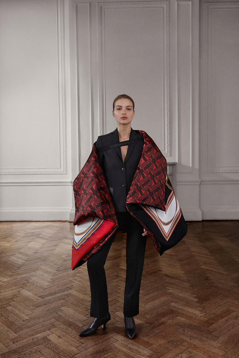 Burberry Riccardo Tisci Pre-Fall 2019 Collection Coat Red Black