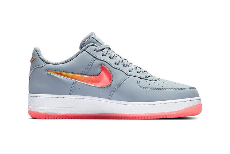 the latest 28578 9b67e Nikes Newest Air Force 1 Jewel Has a Sunset Swoosh